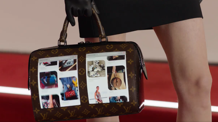 38abfe40dc16 Новая мода: Louis Vuitton представила сумку с гибким дисплеем - Hi-Tech  Mail.ru