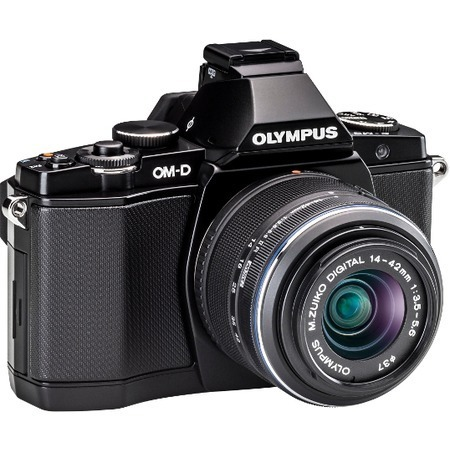 Olympus OM-D E-M5 14-42mm