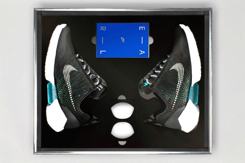 ebf00e81 Самозашнуровывающиеся кроссовки Nike поступили в продажу - Hi-Tech Mail.ru
