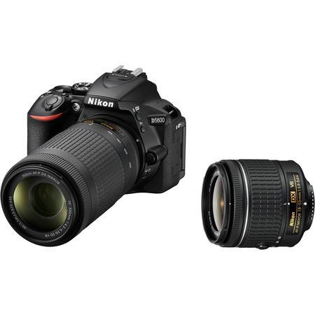 Nikon D5600 18-55VR+70-300VR