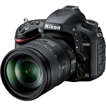Nikon D600 AF-S 28-300 VR Kit