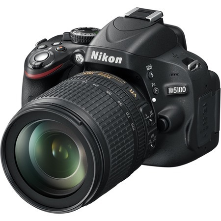 Nikon D5100 18-105VR