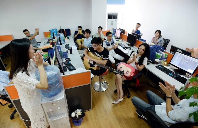 Работа маил девушек на работу в китай девушка