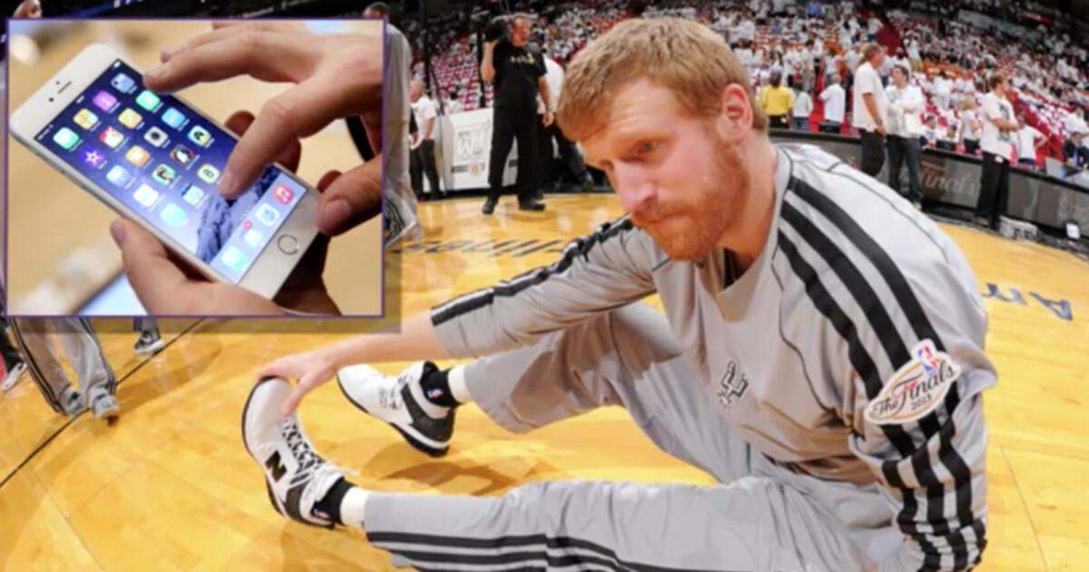 Баскетболист обвинил большой экран iPhone в травме руки