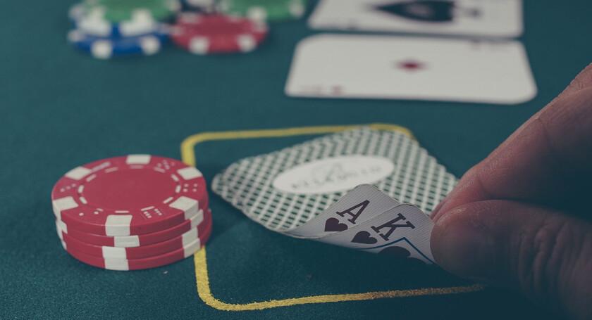 Казино на деньги в mail ru работа казино дилером