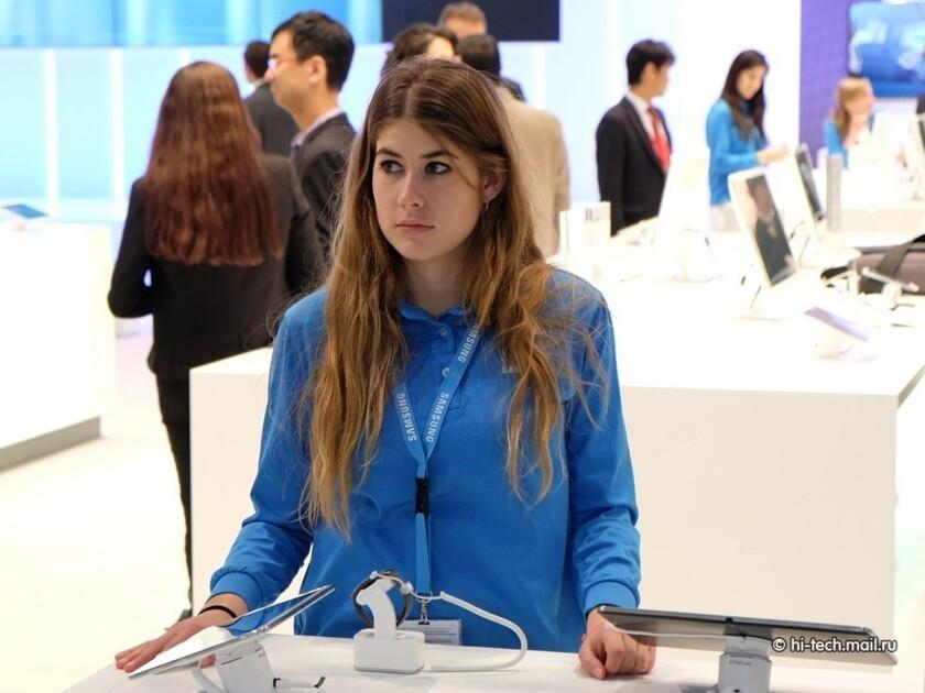 Девушка на работе на майл анастасия кузнецова модель