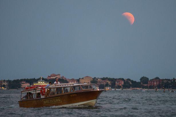 Затмение луны 27 июля 2018