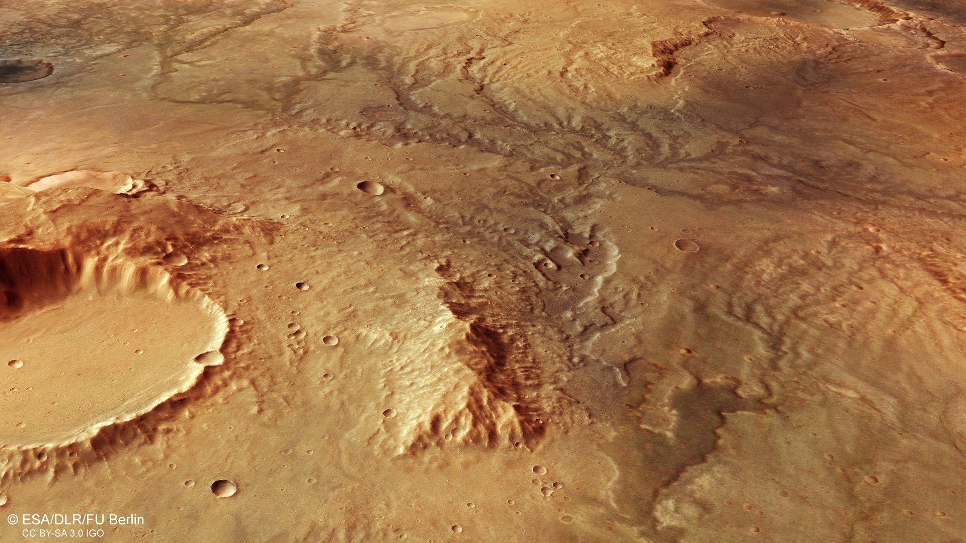 И на Марсе нашли следы древних потоков воды
