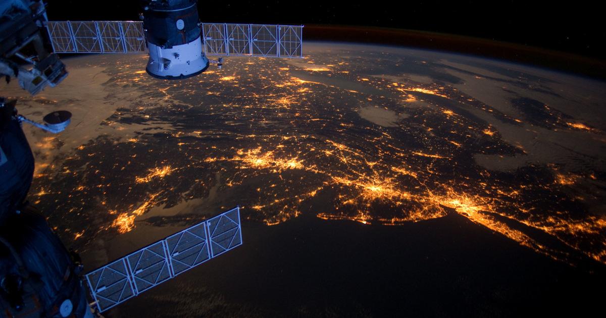 Земля стала светлее. LED-лампы увеличили световое загрязнение планеты