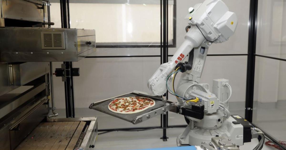 Создан робот, готовящий идеальную пиццу