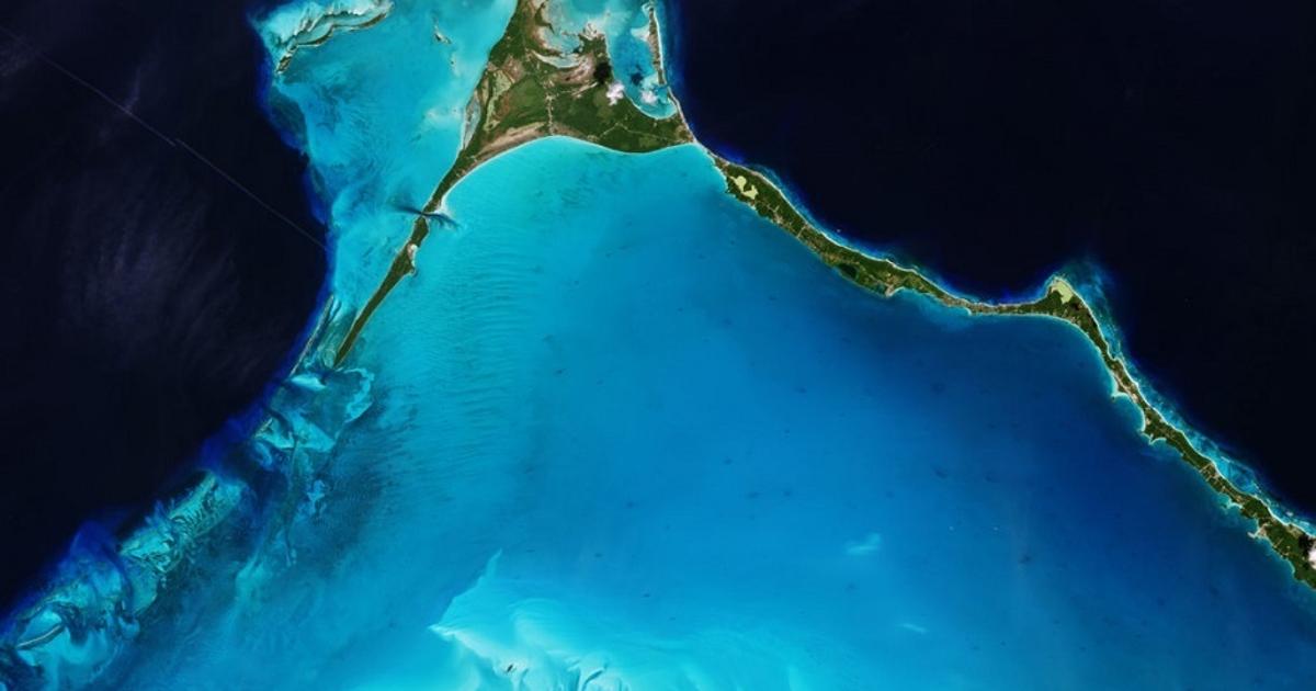 Фото из космоса: как выглядит остров наБагамах