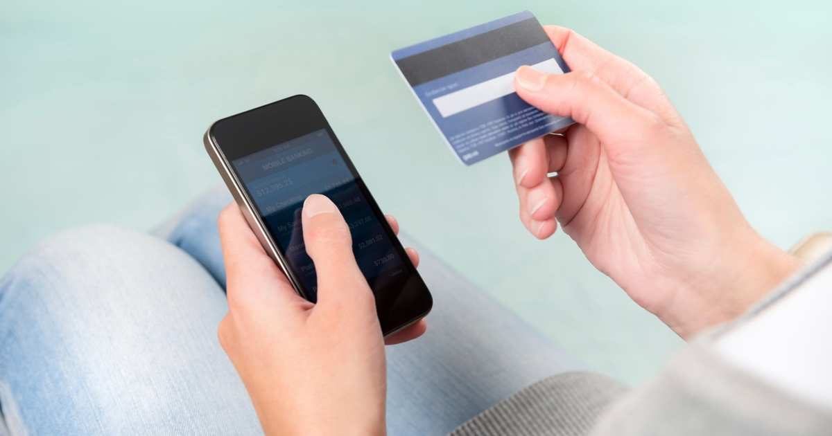 Спомощью новой схемы мошенники украли спластиковых карт 200 млн рублей