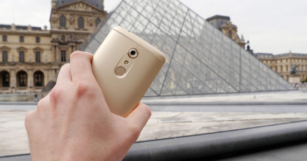 Хорошо лежат вруке: 7 смартфонов, которыми удобно пользоваться