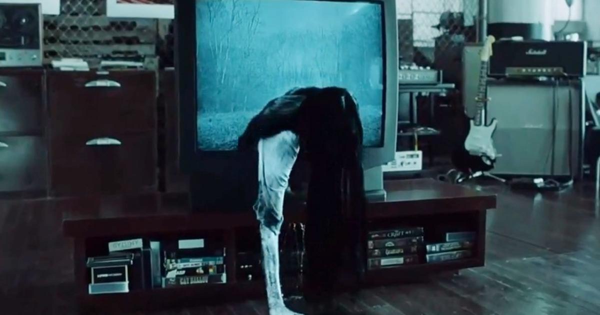 Программист «вытащил» из телевизора проклятую девочку из«Звонка»