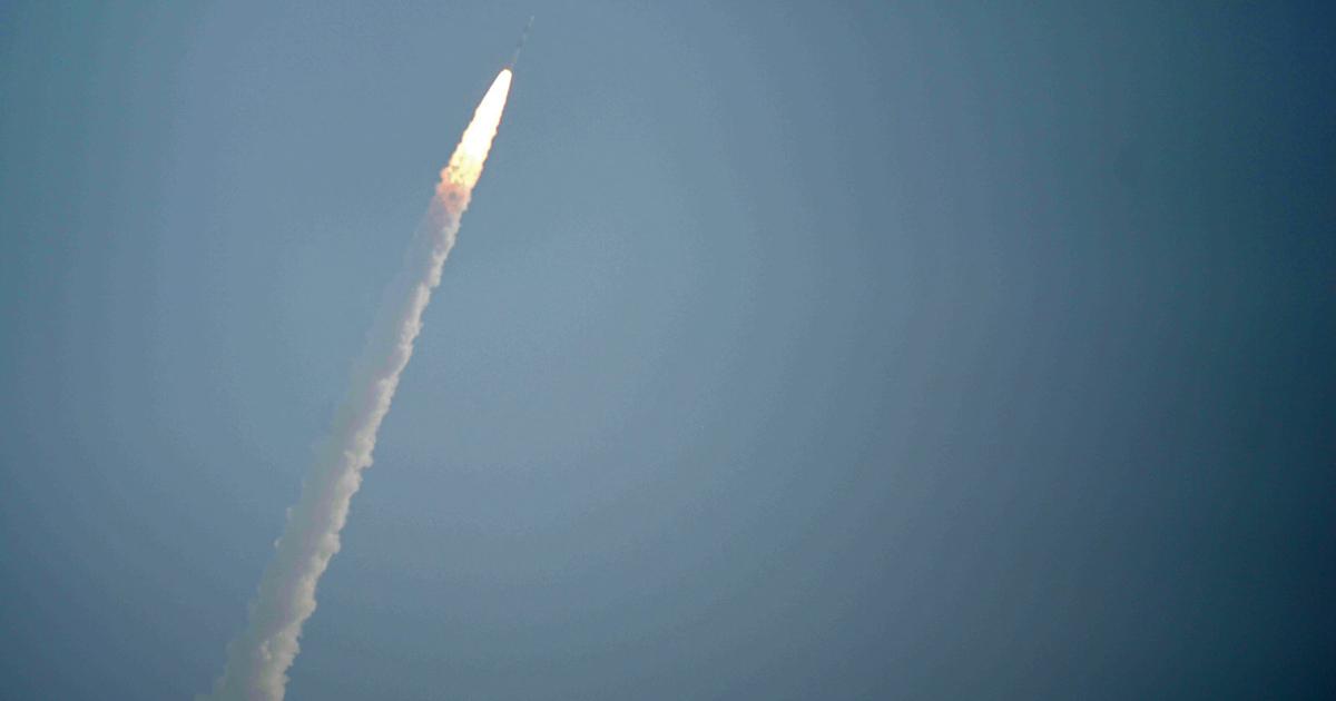 Вкосмосе обнаружены «спутники-нелегалы»
