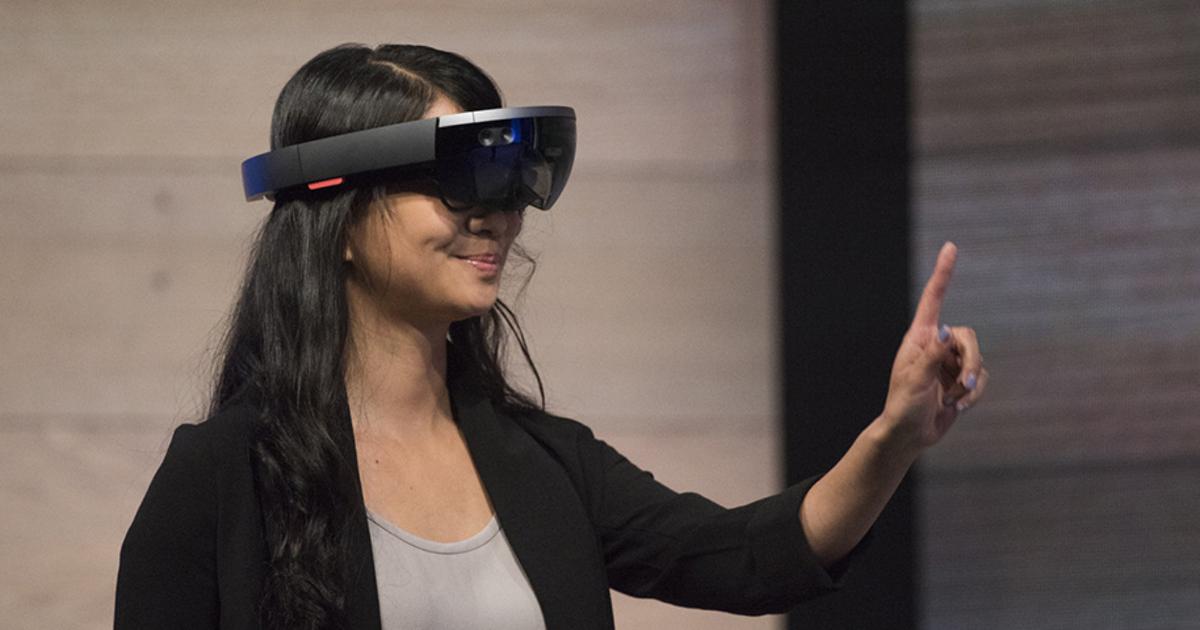 Microsoft будет производить HoloLens самостоятельно