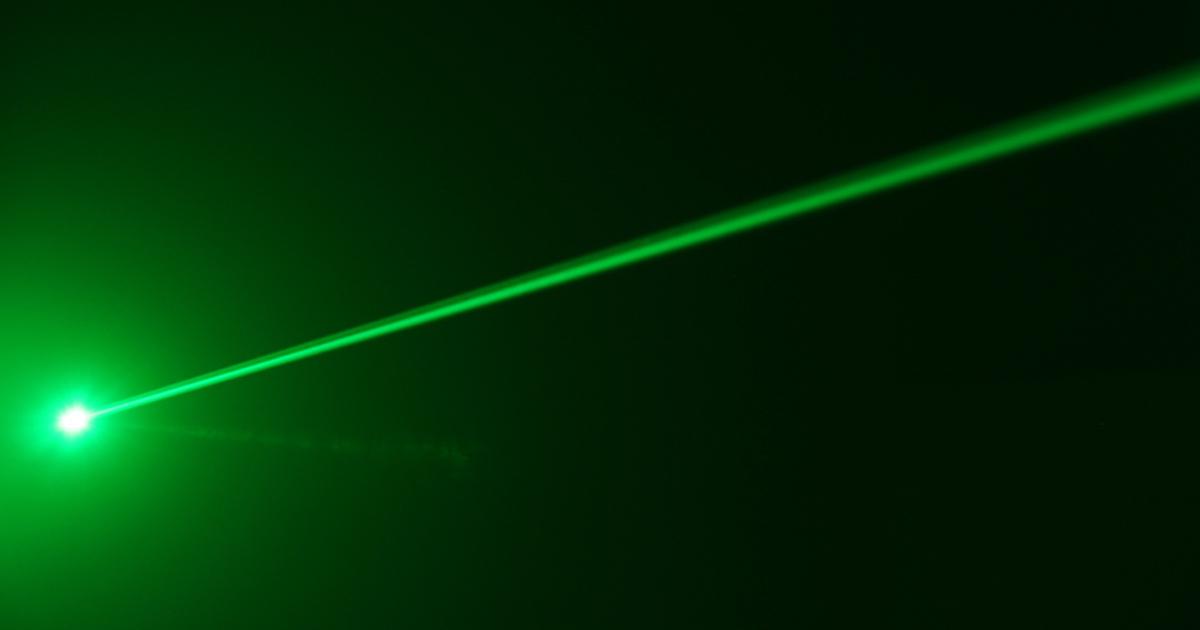 Прорыв в науке: ученые получили спирт крепостью 99% с помощью лазера